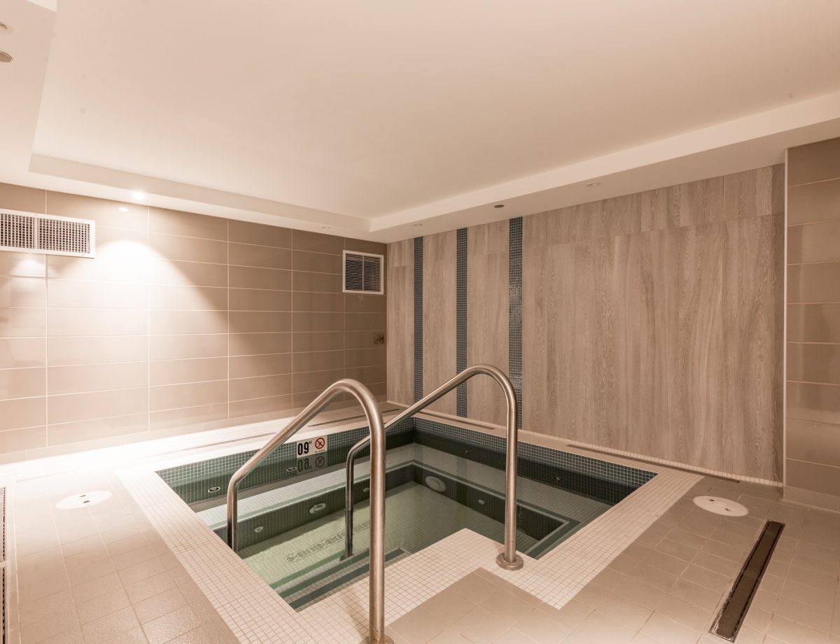 Luxury whirlpool for complete relaxation